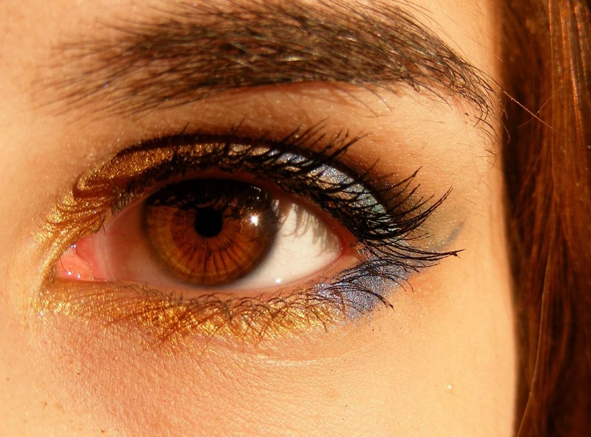 8 make-upstijlen voor vrouwen met bruine ogen