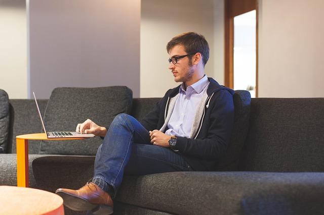 6 dingen die succesvolle mensen de eerste 10 minuten van hun werkdag doen
