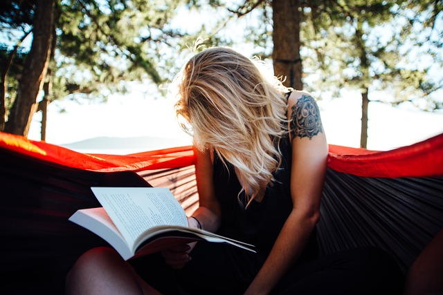 woman-book-reading