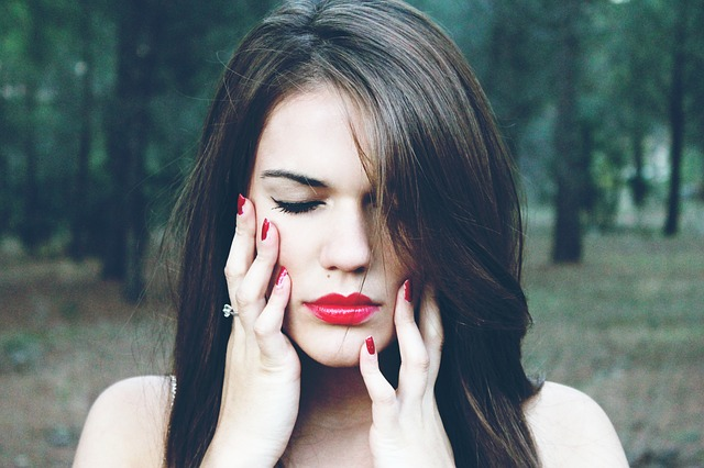 7 slechte beauty gewoonten waarvan je er juist ouder uit gaat zien