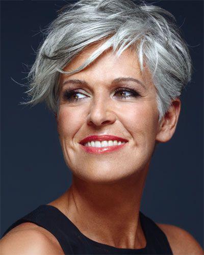 23 geweldige korte kapsels voor vrouwen van boven de 50