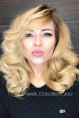 new sexy hair style lang haar voor 50 zolistig nl 7706 | hairstyles for women over 50 new style blonde dark roots color long sexy curls square face shape 334x500